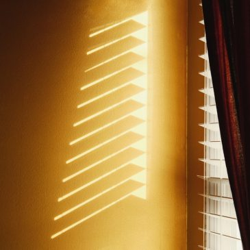 4 Approaches to Alternating Window Treatments in Each Room of You Home